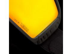 Dettaglio leva di bloccaggio della lente di una maschera da sci Out Of Shift