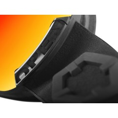 Out Of Open ski goggle right locking part detail