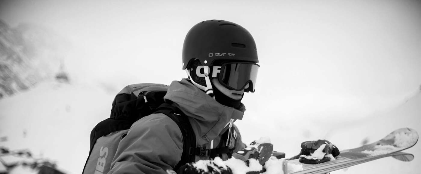 Out of rider freeriding with shift goggle